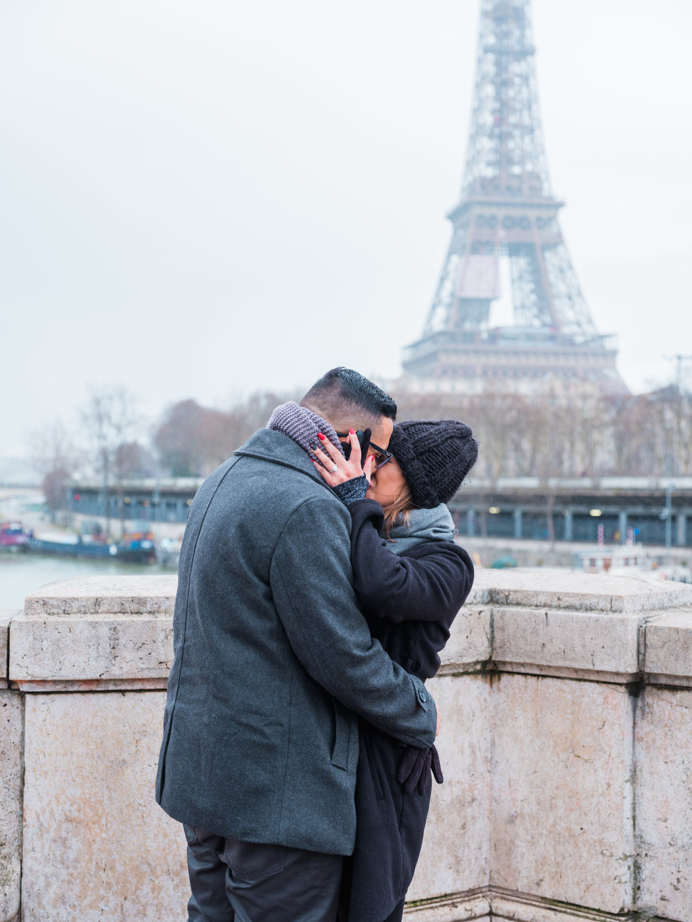 surprise proposal bir hakeim bridge paris