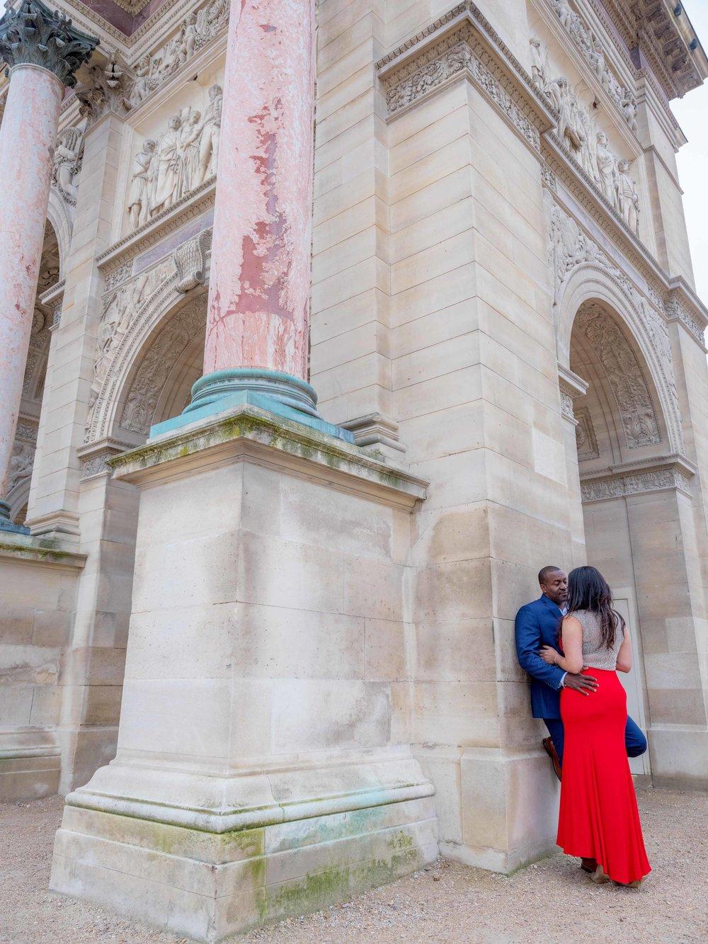 romantic couples photography paris france