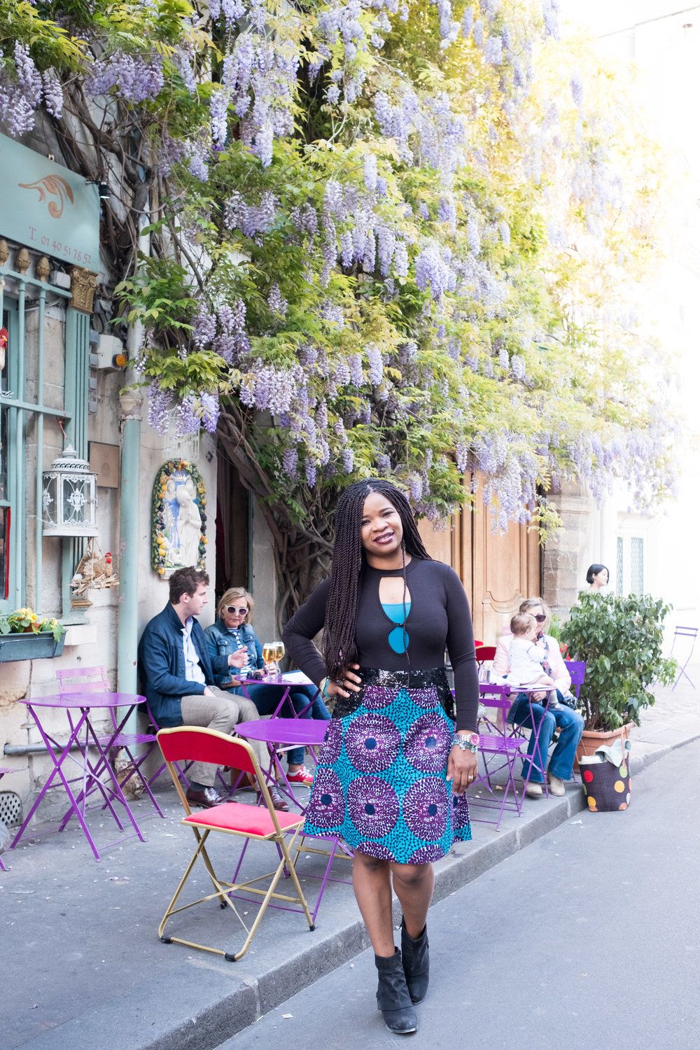 There's wisteria scattered around Paris, and when it's in bloom, it's amazing!