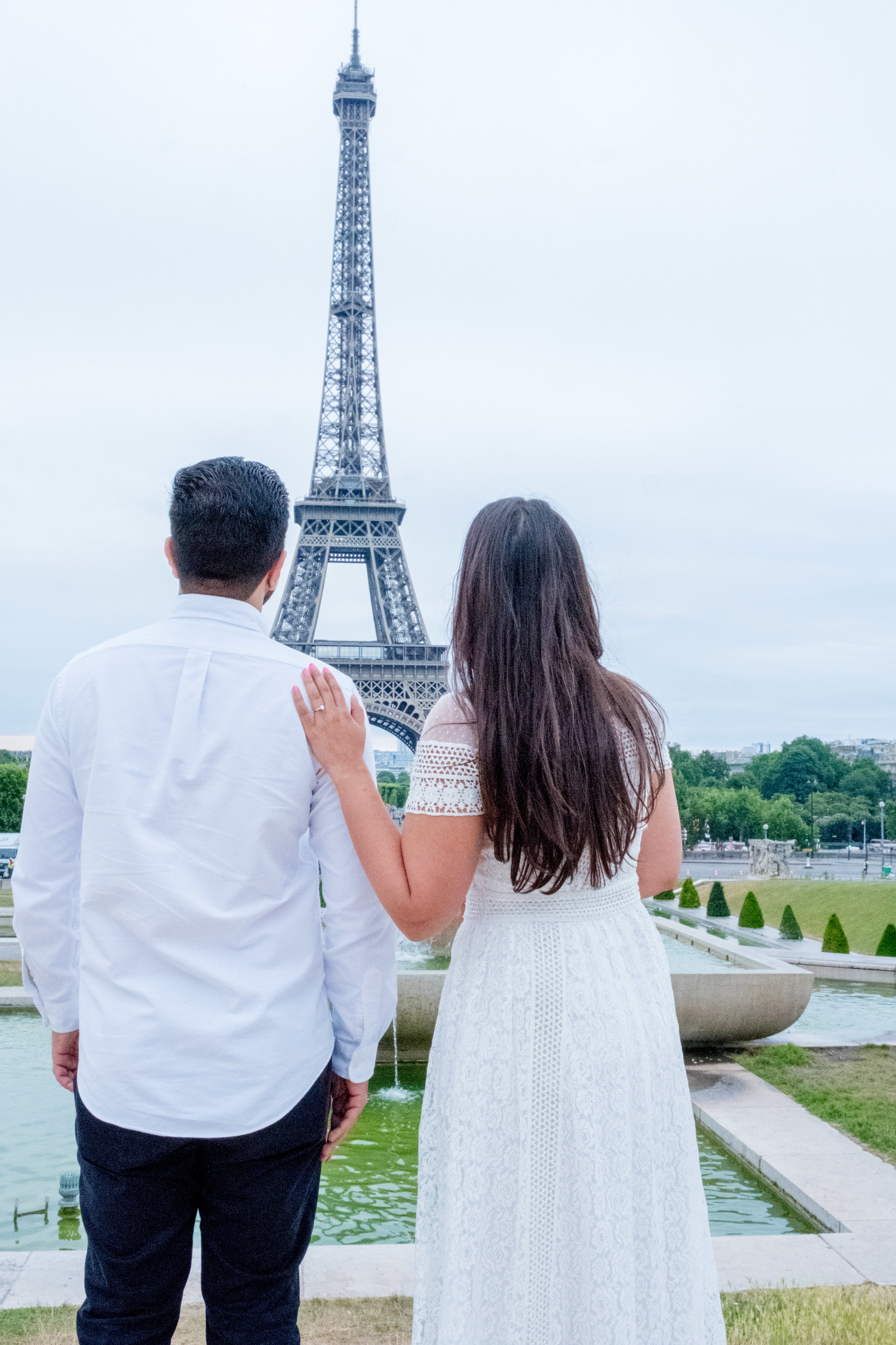 Beautiful white themed Paris couples photo session