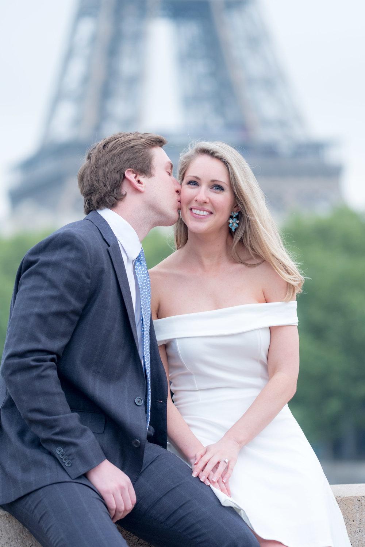 romantic couples photography in paris france