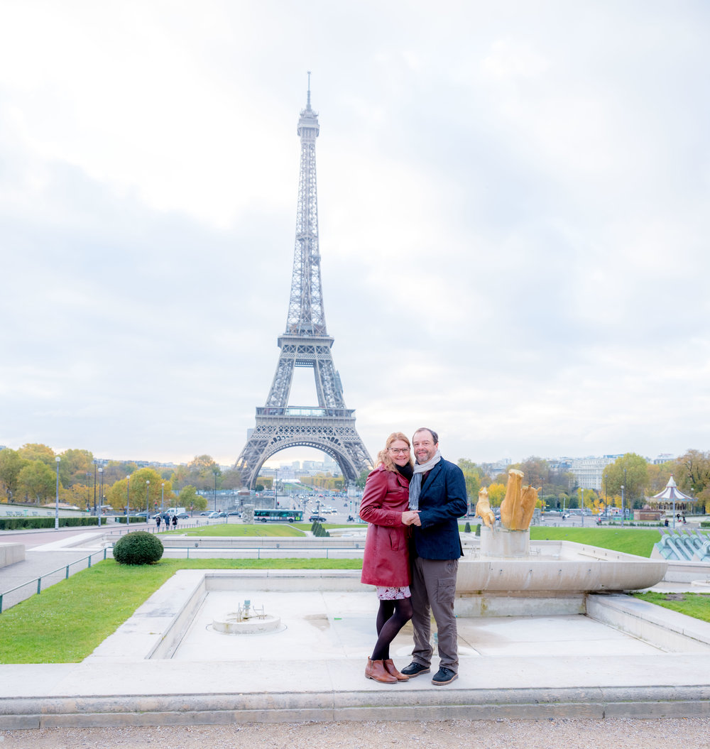 paris couples photography at the eiffel tower in paris