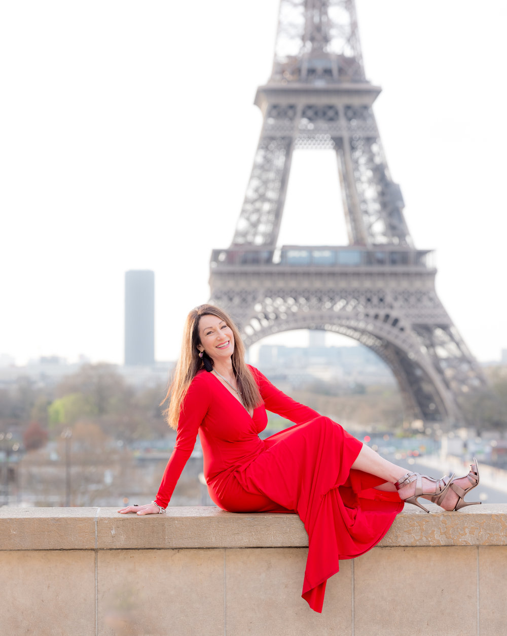 paris dream shoot for women at the eiffel tower in paris