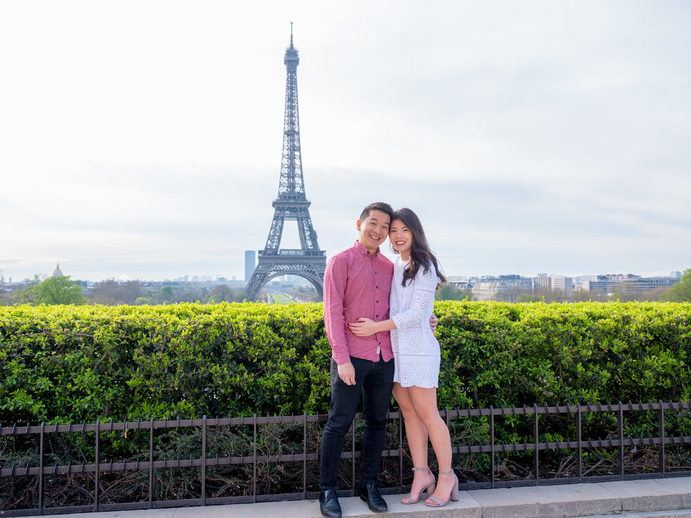lovely couples engagement session in paris france at the eiffel tower
