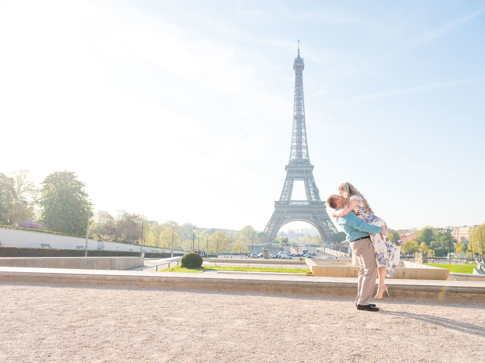 romantic couples photo shoot with picture me paris at the eiffel tower in paris france