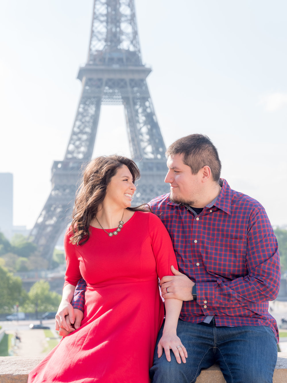 family photography at the eiffel tower in paris france