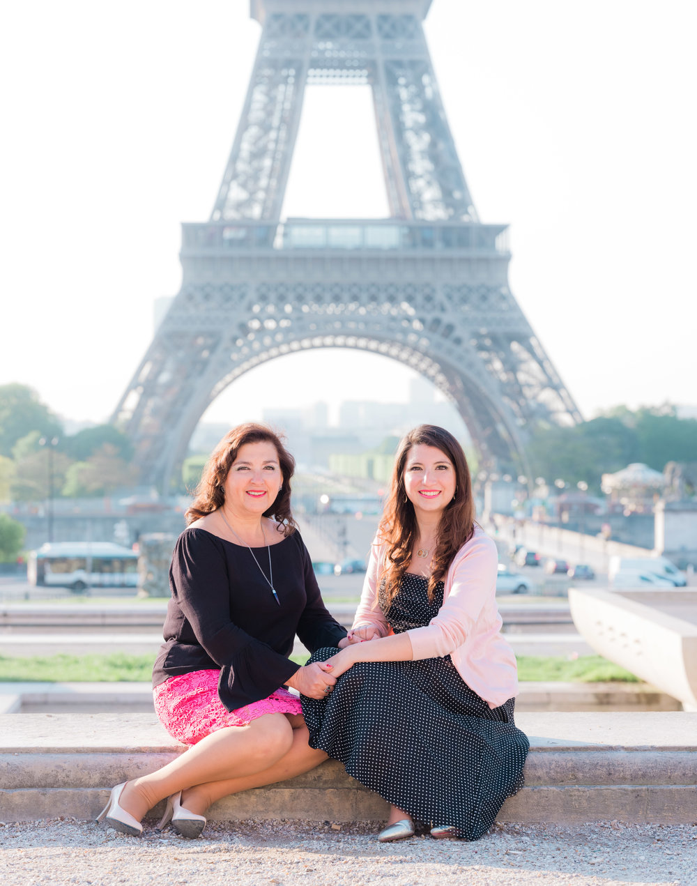 mother and daughter picture me paris photo shoot in paris france at the eiffel tower