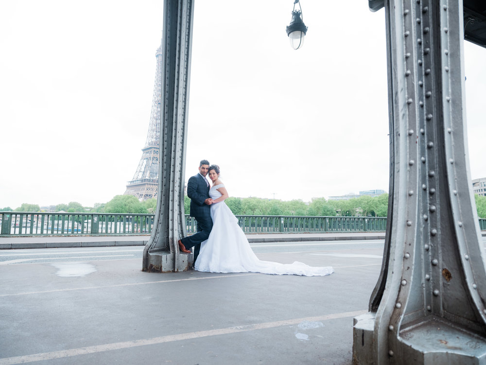 gorgeous wedding photo shoot at the eiffel tower in april