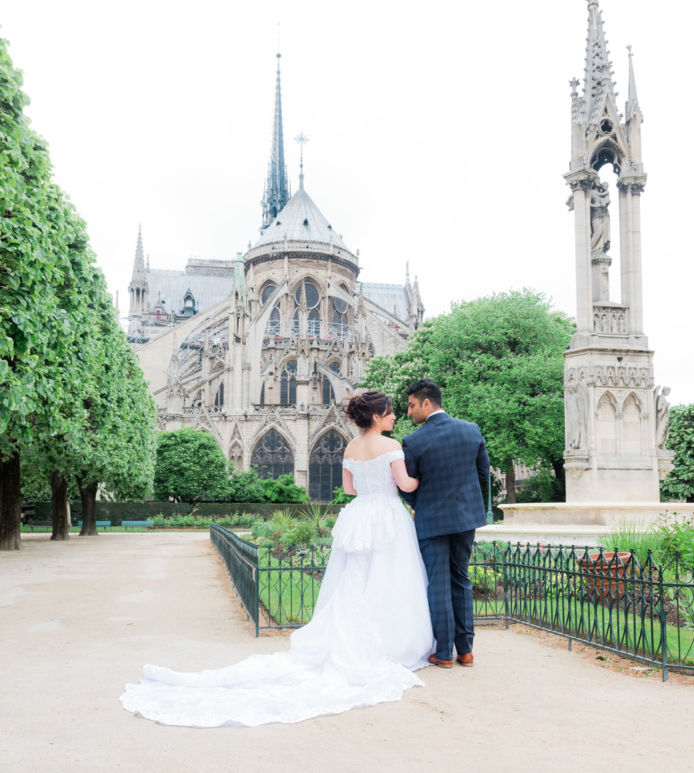 romantic wedding photo session at notre dame cathedral in paris france