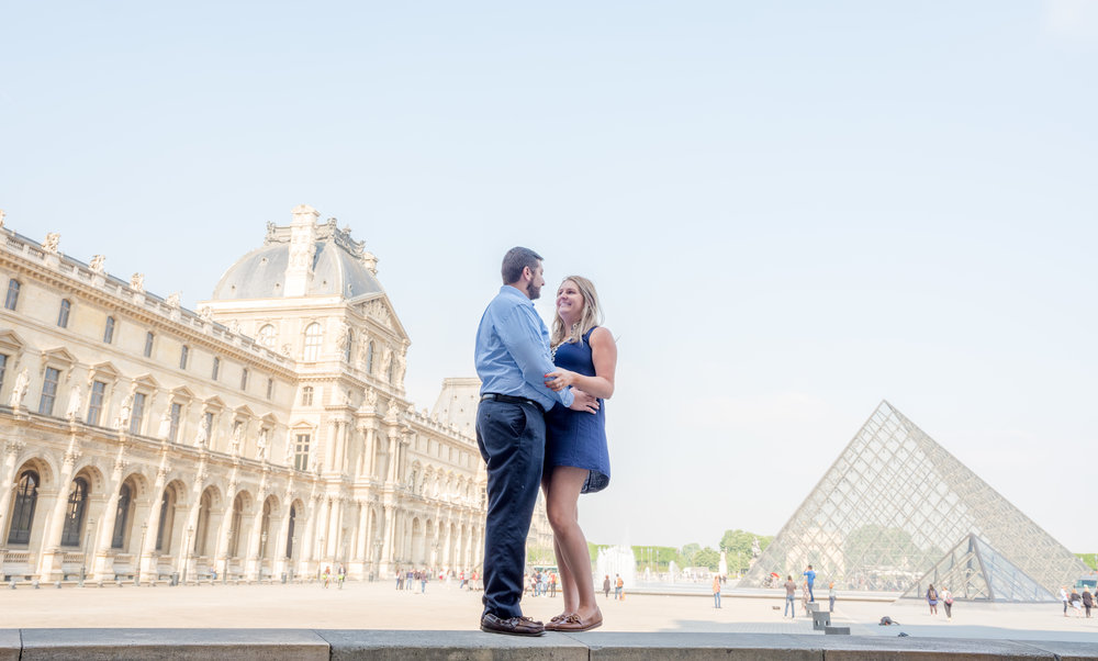 romantic surprise proposal at the louvre museum in paris france