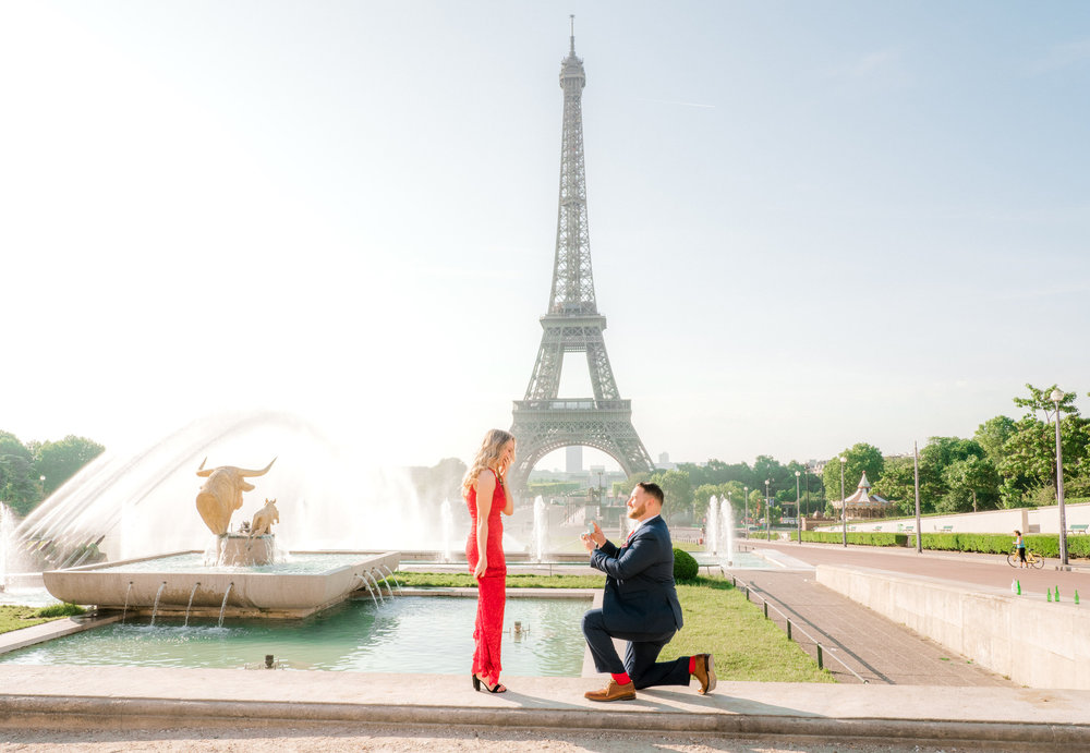 romantic engagement photo shoot in paris france at the eiffel tower