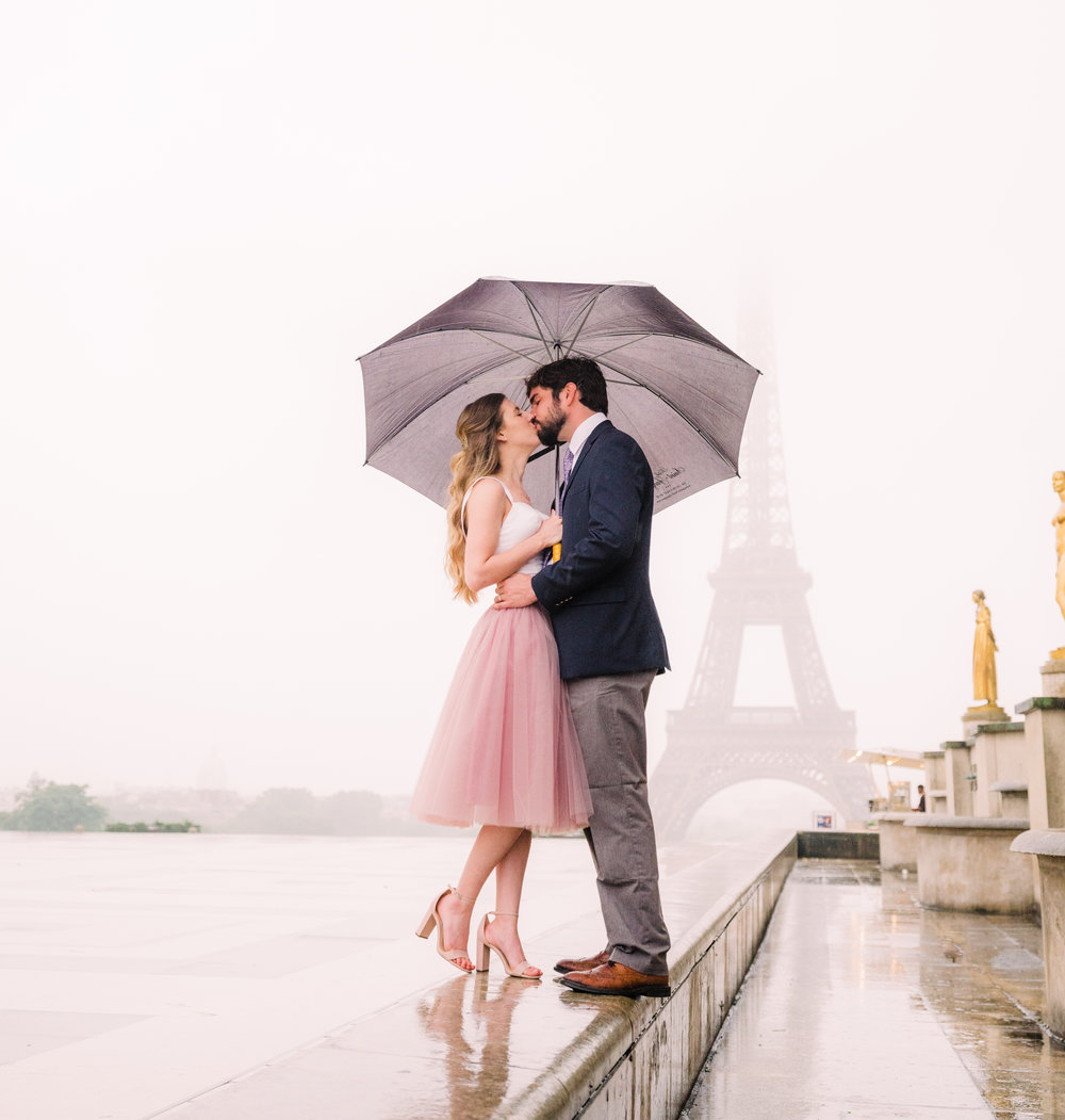 Gorgeous, rainy Parisian honeymoon Picture Me Paris photo session -