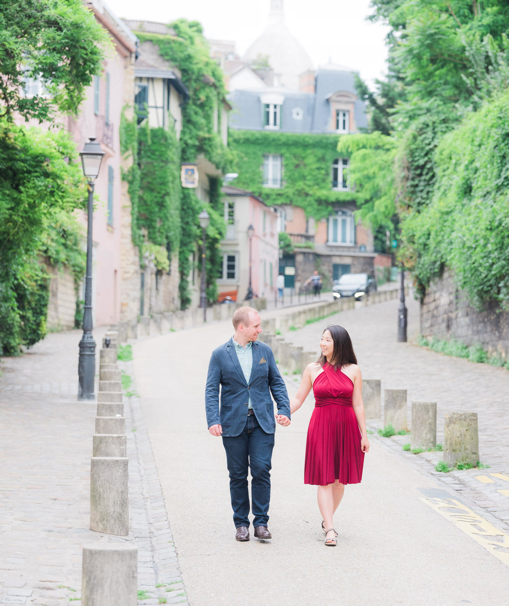 A charming engagement in Montmartre -
