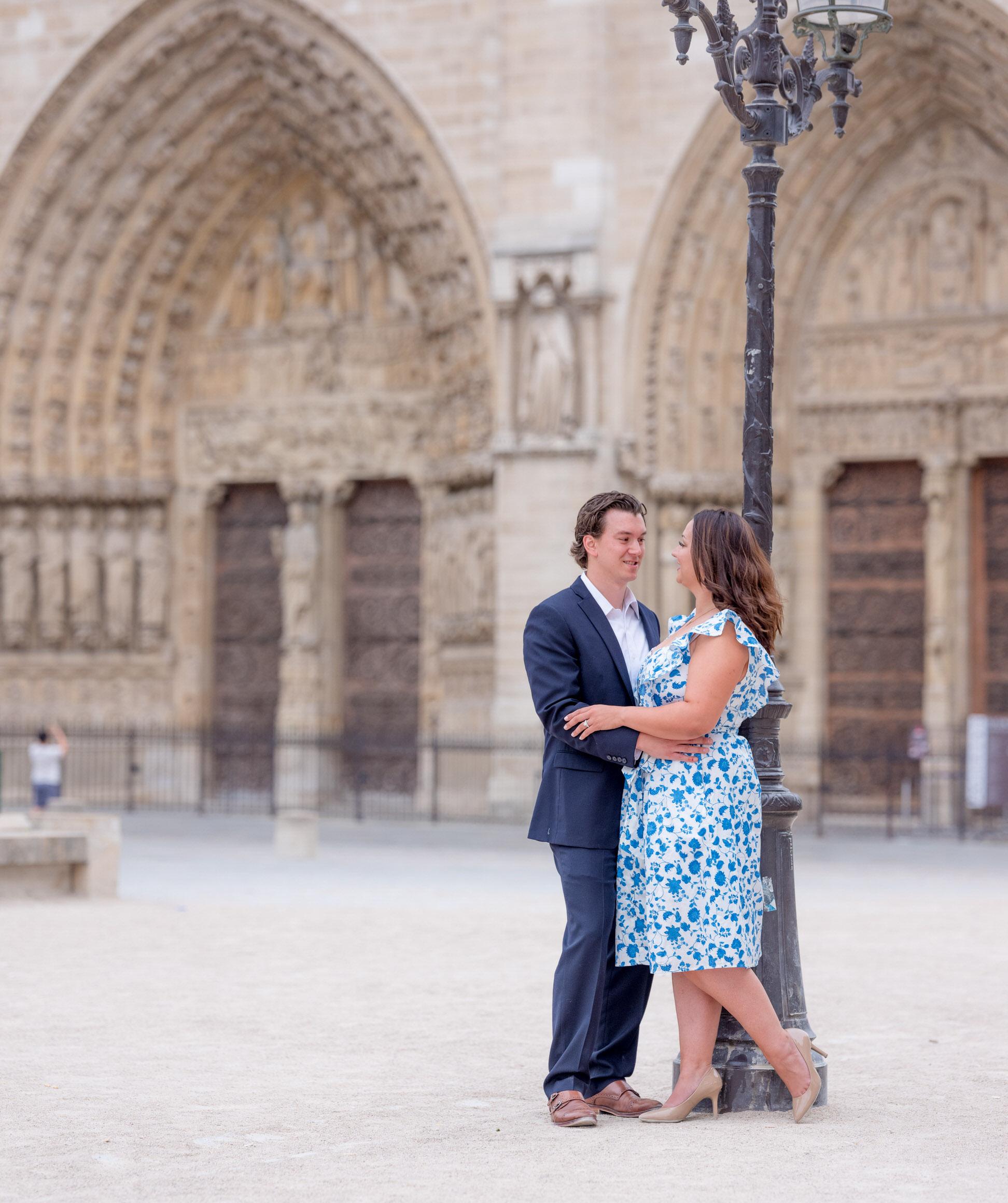 Romantic Latin Quarter couples photo session in Paris