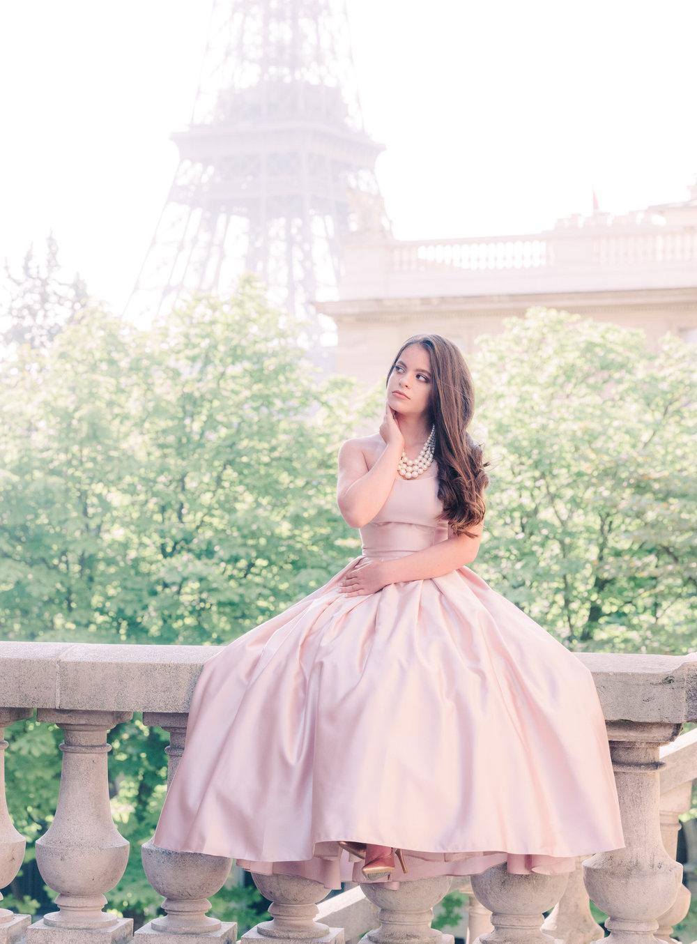paris dream photo shoot for women in paris france