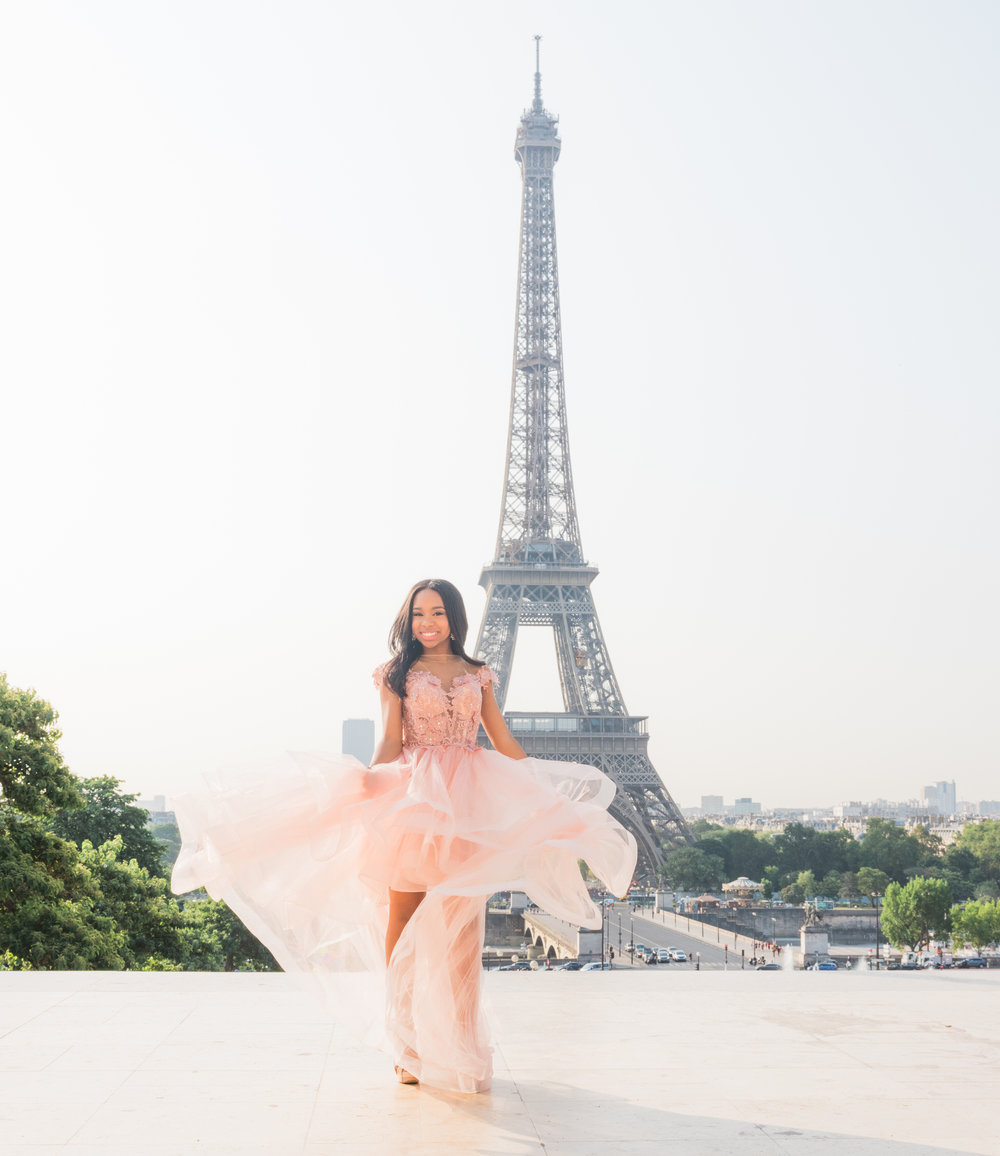gorgeous quinceanera photo shoot in paris france at the eiffel tower