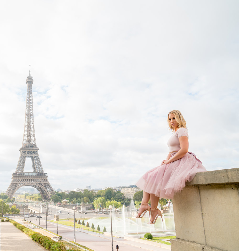 paris eiffel tower dream shoot for women paris france