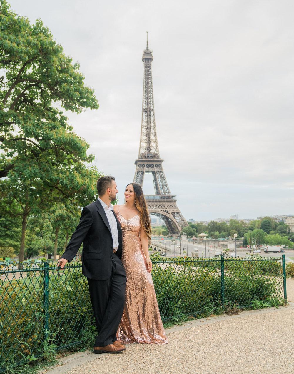 paris engagement at the eiffel tower