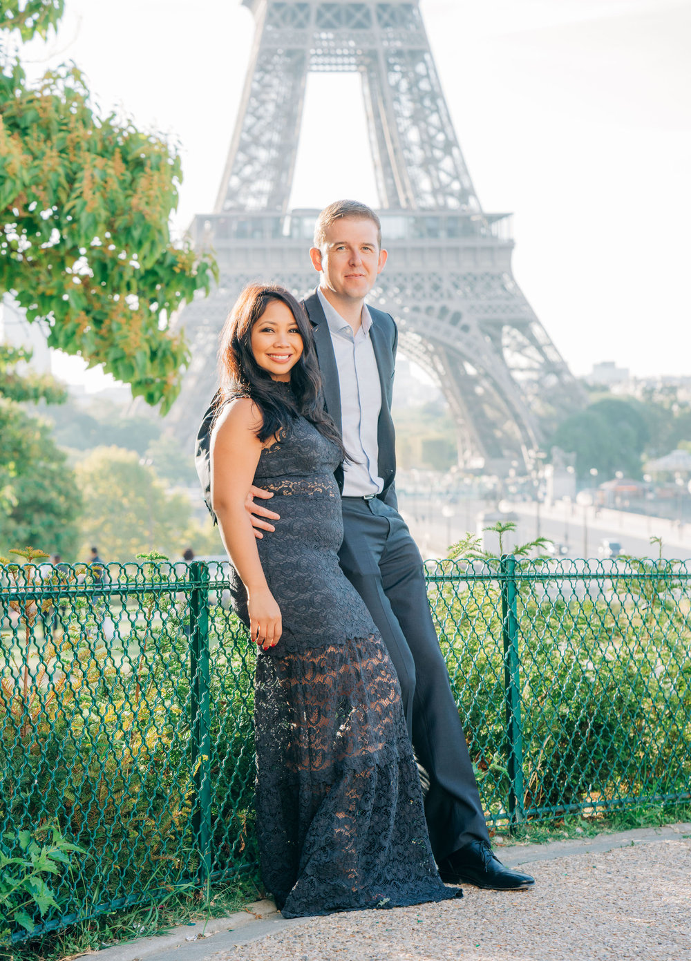 romantic couples anniversary photo shoot at trocadero eiffel tower paris france