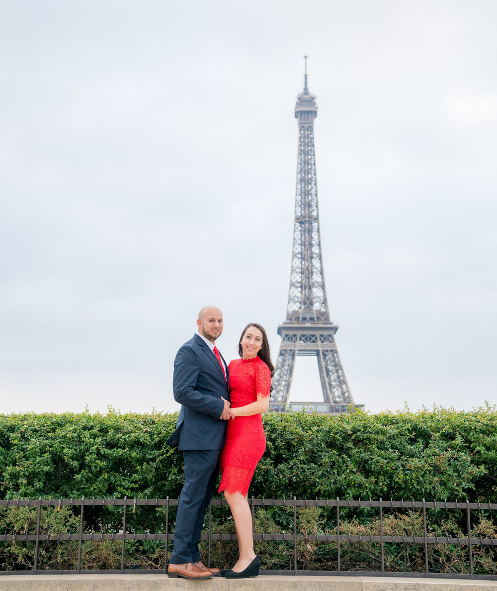 paris engagement photo shoot with picture me paris