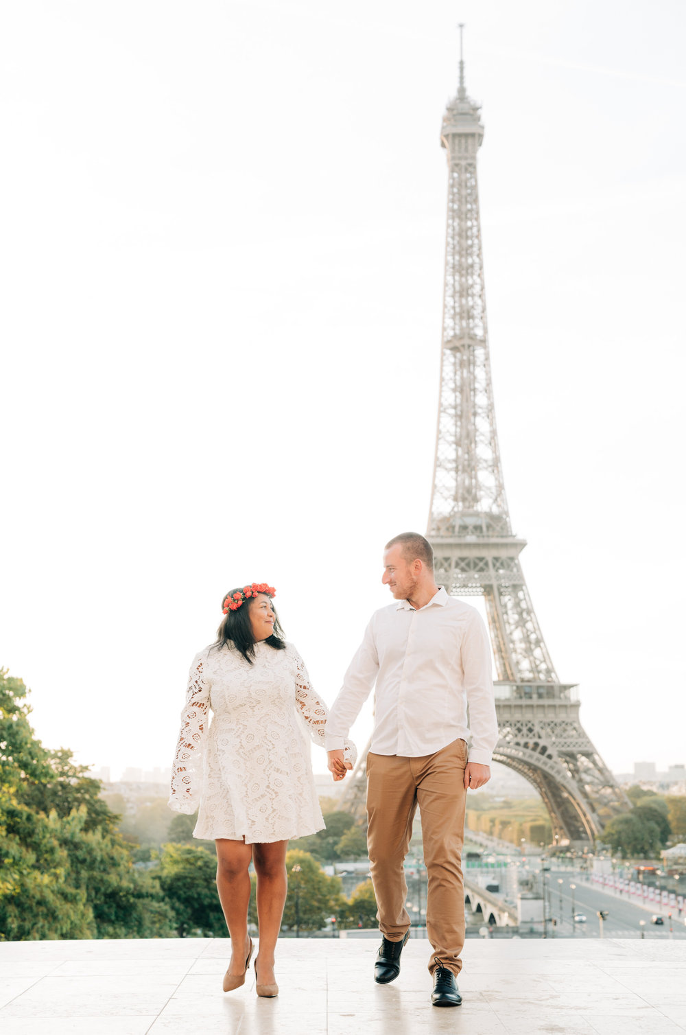 engagement photo shoot in paris france at the eiffel tower