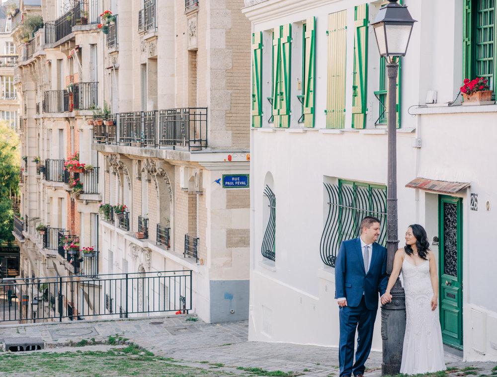 wedding photo shoot in paris france montmartre neighborhood