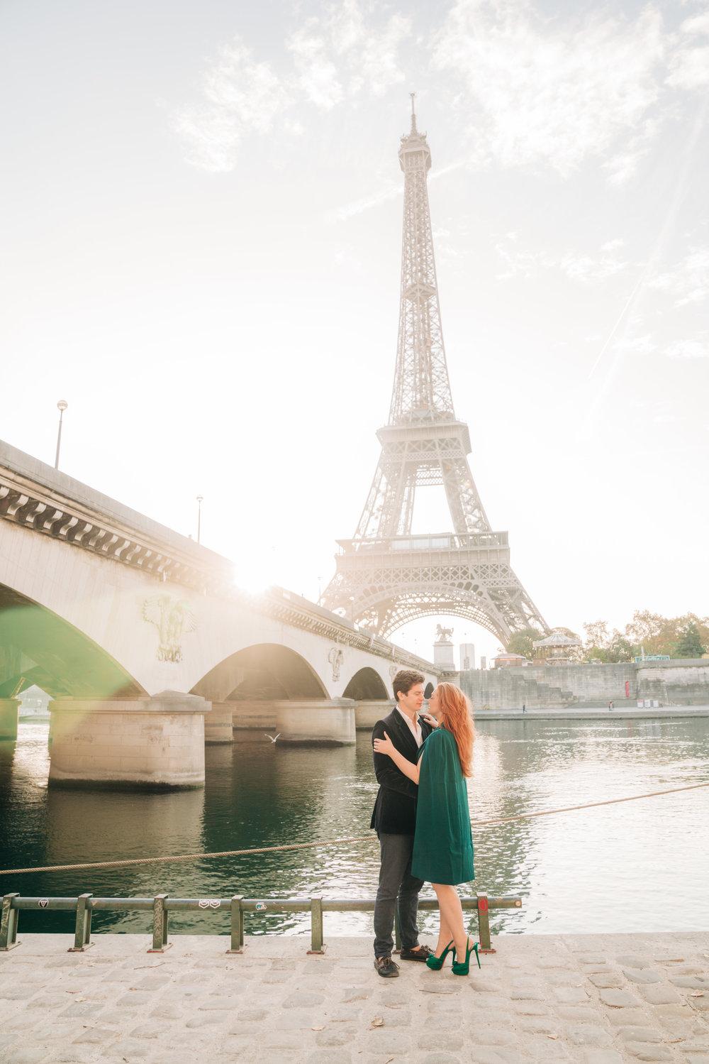 elegant honeymoon photo shoot at the eiffel tower in paris france