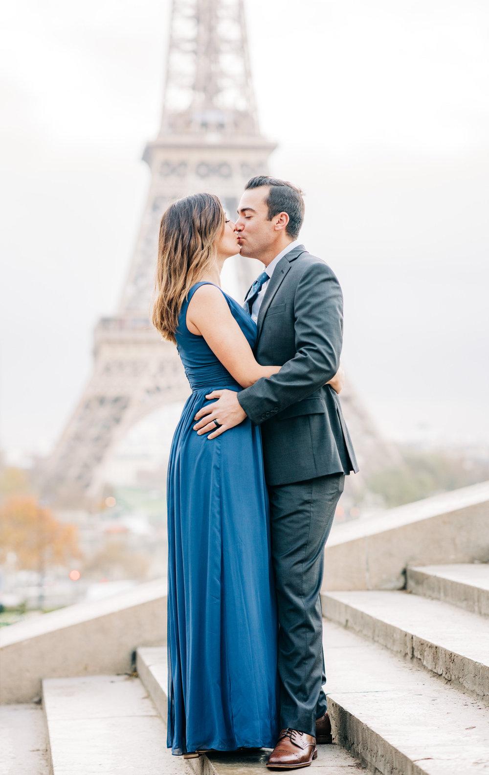 elegant picture me paris couples photo shoot at the eiffel tower