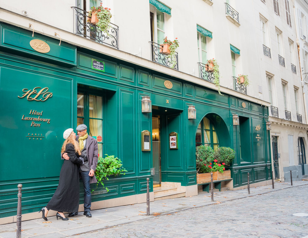 beautiful couples photo session in paris with picture me paris