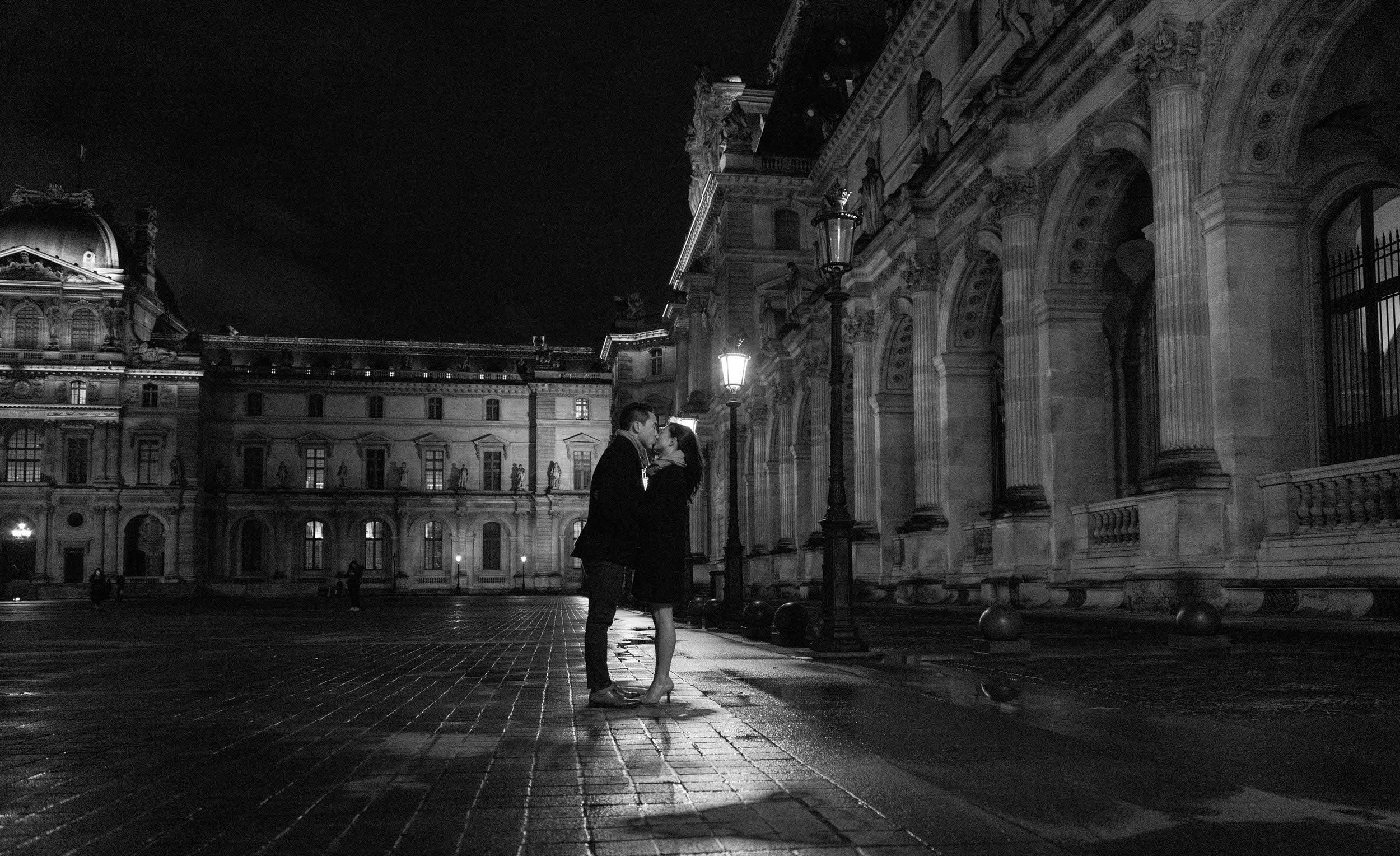 Romantic and elegant black and white night photo experience at the Louvre Museum