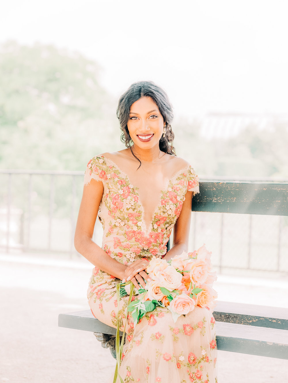elegant charming elopement shoot in tuileries gardens paris