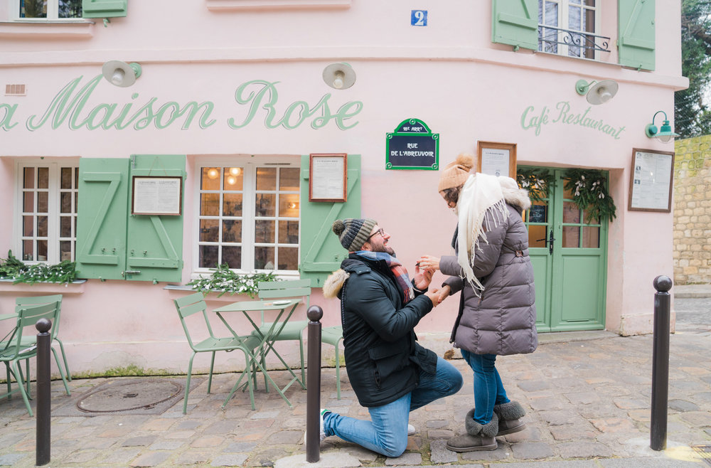 paris surprise proposal in montmartre with picture me paris