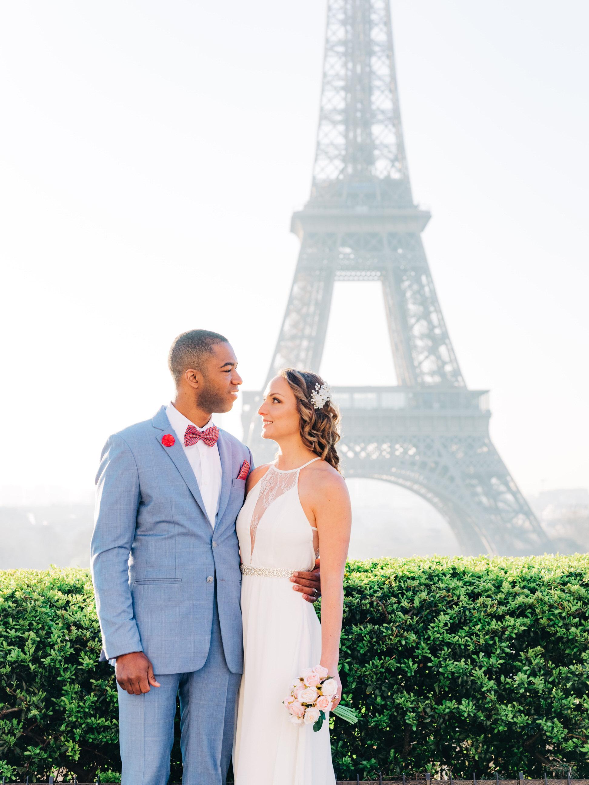 Honeymooners under the spring Paris sun