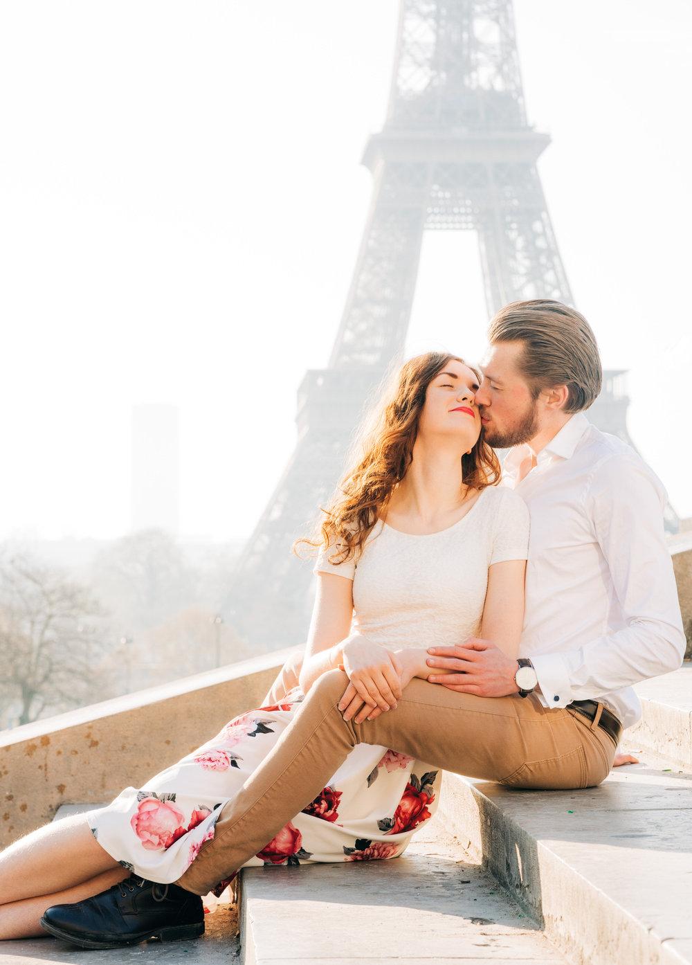 picture me paris couples photo shoot in paris at the eiffel tower