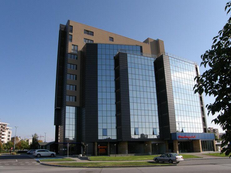 Тракия Плаза Офис Сграда.jpg