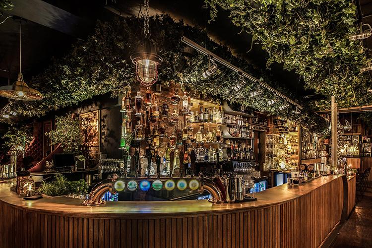 Når du leier Nedre Løkkas festlokale, får du tilgang til egen bar.