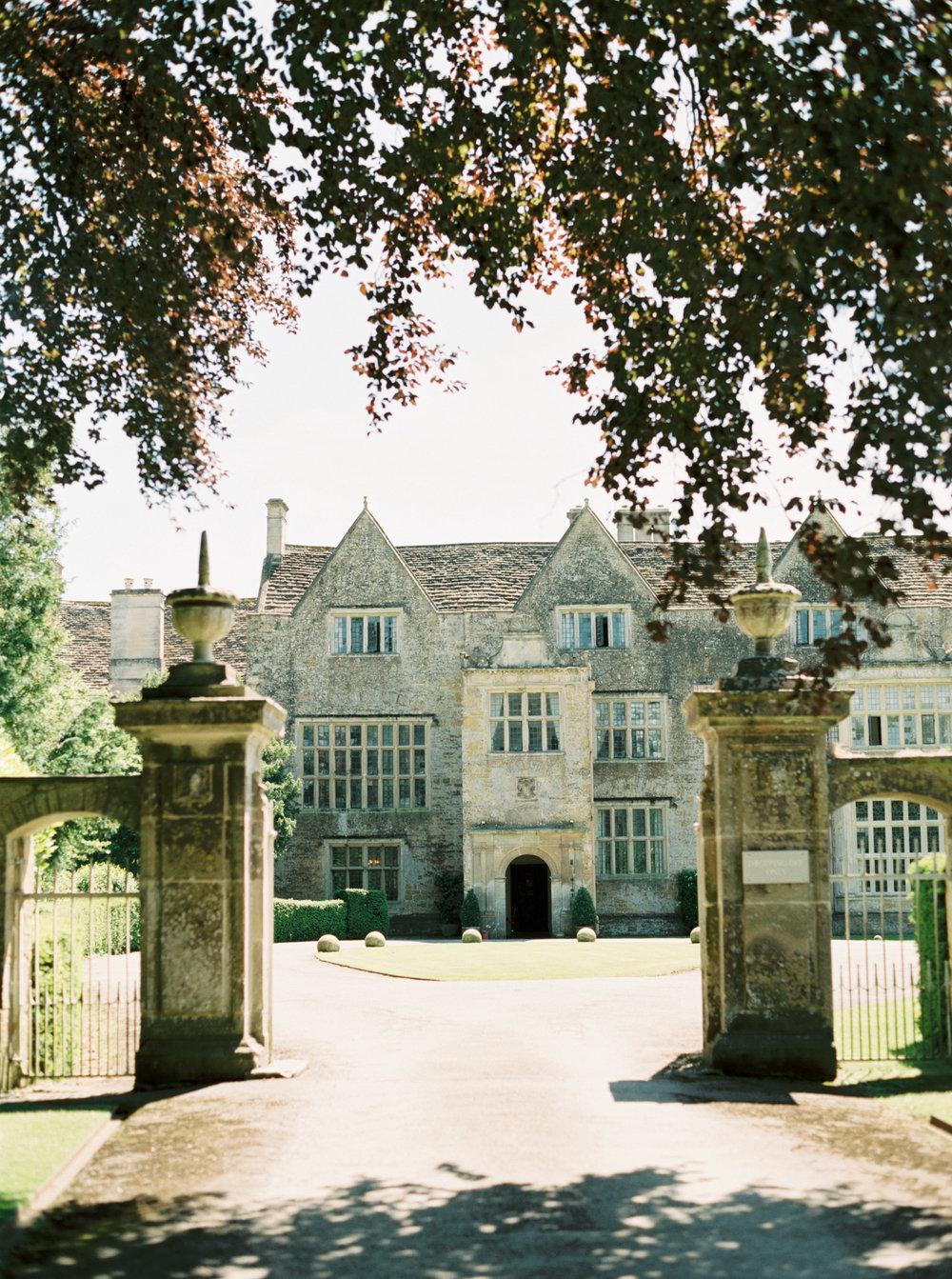 Luxury Wedding Planner   English Manor House Devon   Nicole Colwell Photography