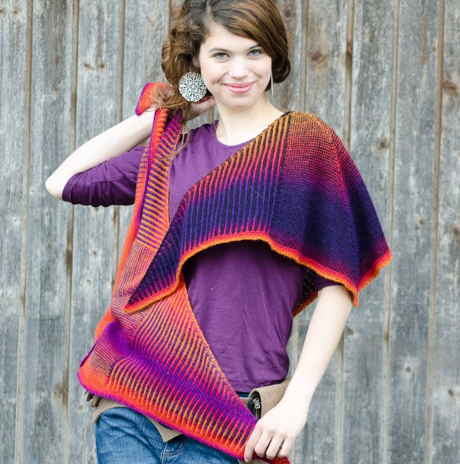 Tourlaville  shawl knitting pattern - brioche stitch combined with stripes. Triangular shawl, gradient yarn.