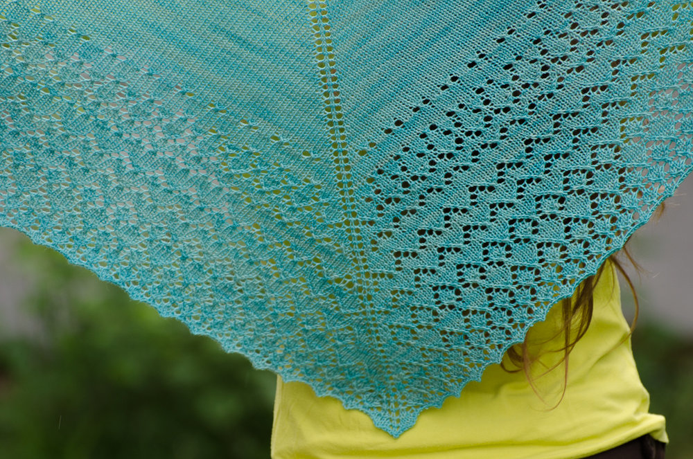 Greenhorn shawl - beginner lace knitting pattern