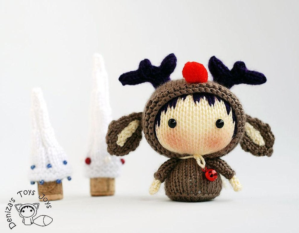 Christmas Deer Tanoshi Doll  by   DenizasToysJoys
