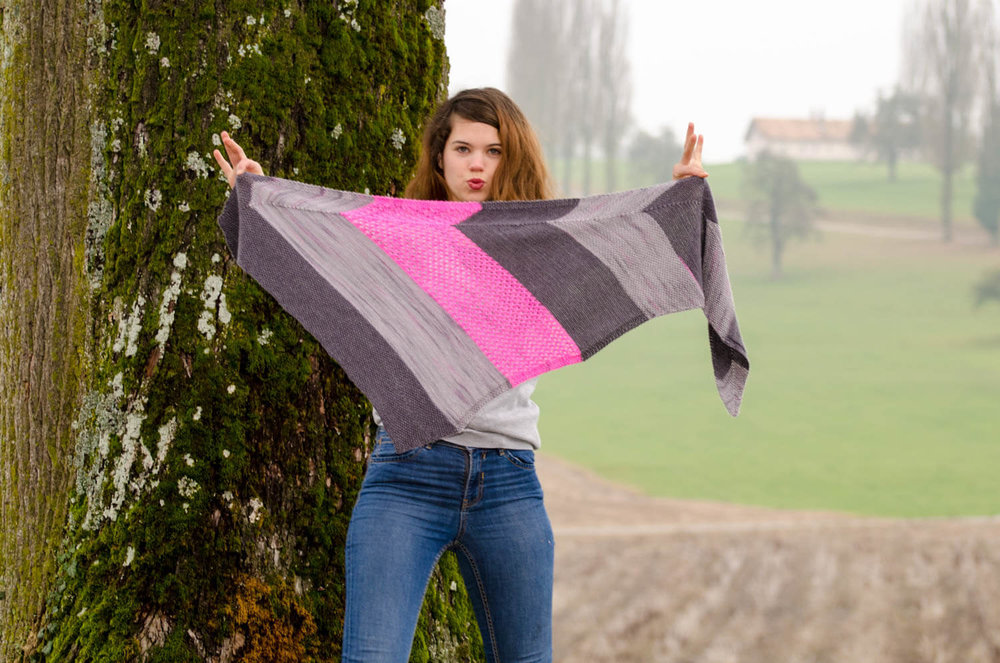 Pattern writing: gray and pink shawl