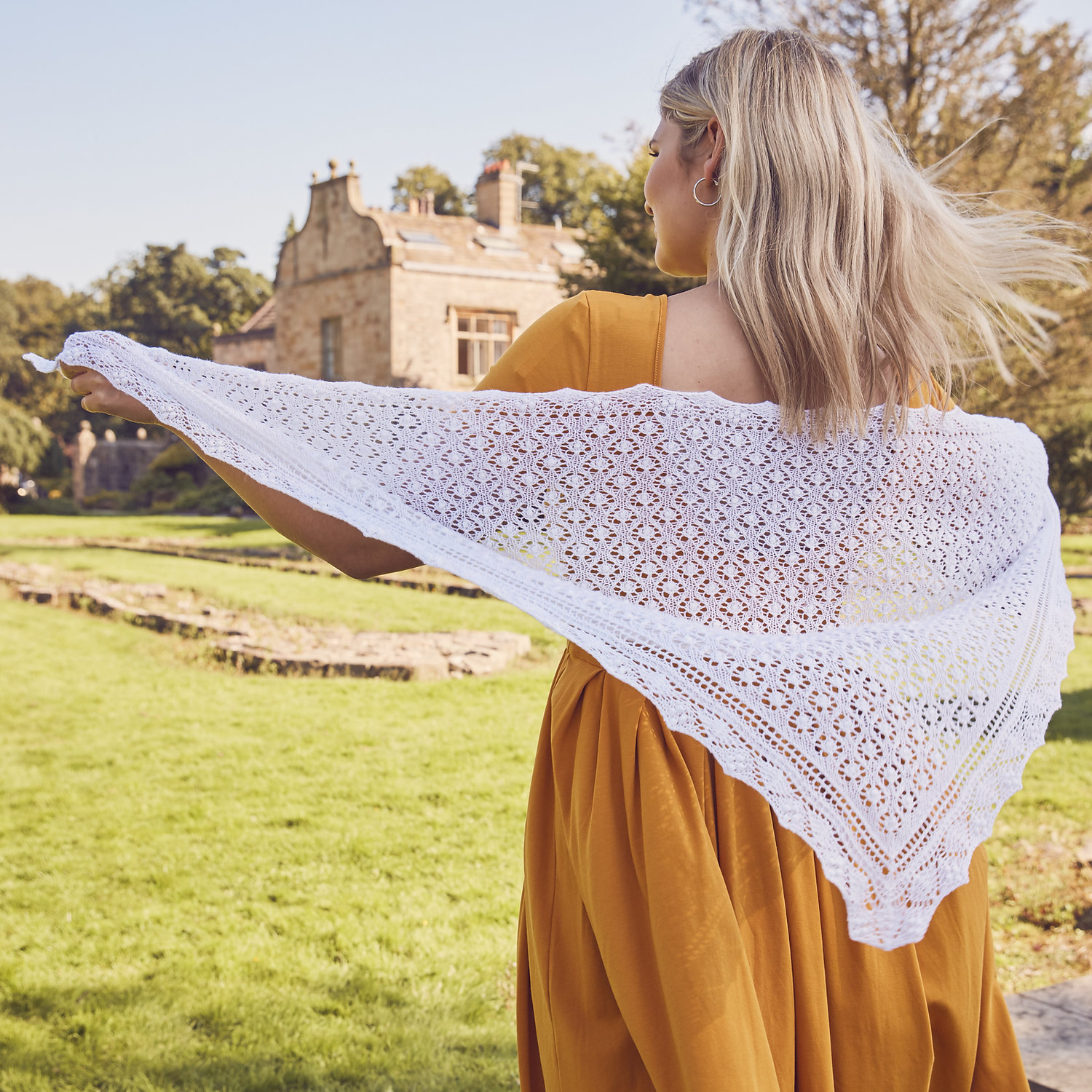 Triangular Shawls: One Style - 6 Ways To Knit — Soft Rainbow Designs ...