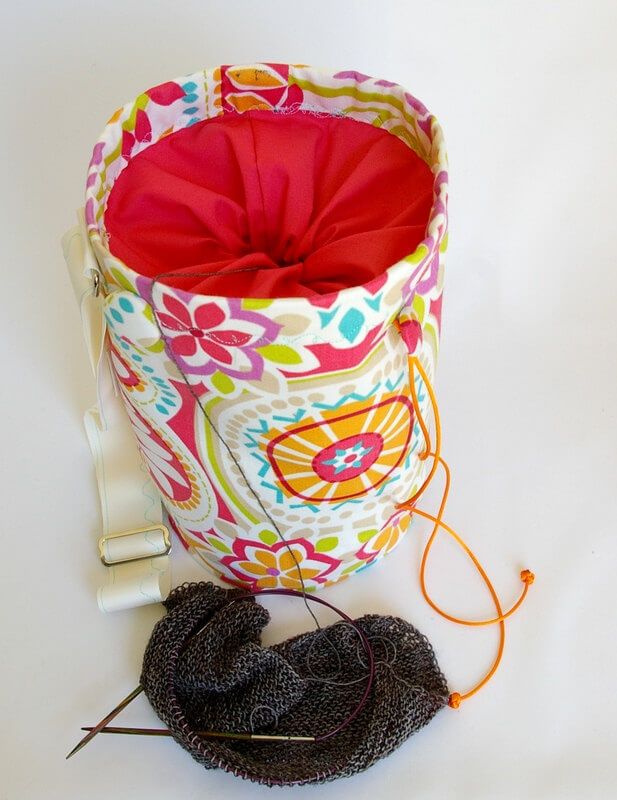 15 Christmas Gift Ideas For Knitters - project bag
