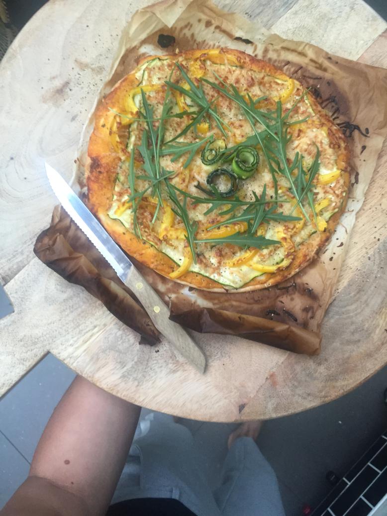 Een gezonde pizza met Wonky dips. Heerlijk gezond én vegetarisch recept!