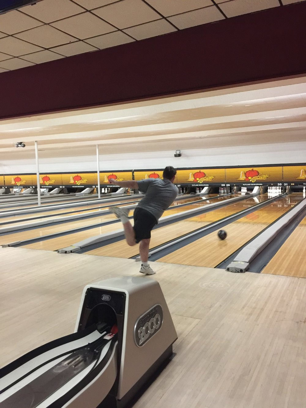 Brandon Farrell seeks a strike at Castleton Bowling Club practice on Nov. 16. Photo by Brigitta Gough.
