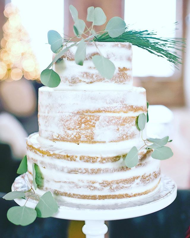 C A K E • L O V E from our #Christmas party | cake by @maribellecakery (link to shoot in profile)