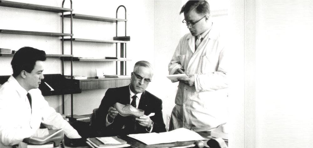 Pentti Palmroth poikiensa Pertti ja Juhani Palmrothin kanssa 1950- luvulla.