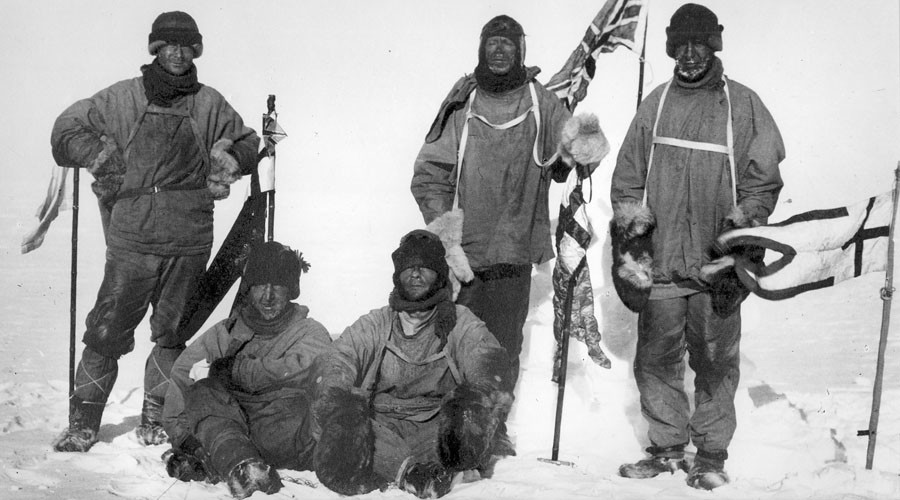 Last expedition of Robert Falcon Scott. The image shows Wilson, Scott and Oates (standing); and Bowers and Evans (sitting). © Wikipedia