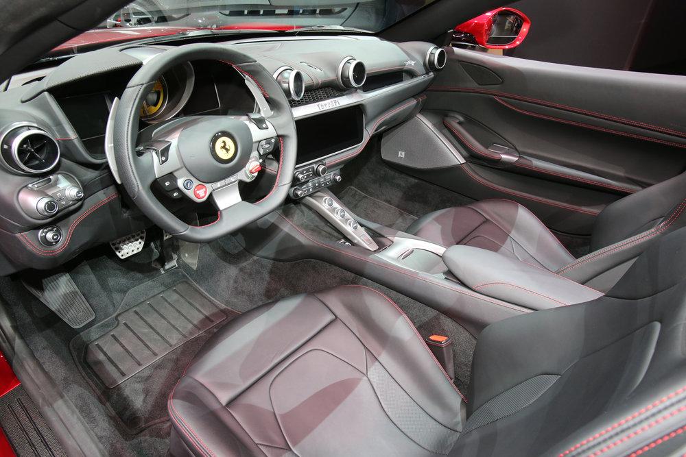 2019-Ferrari-Portofino-cabin.jpg