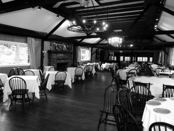 restaurant-bw